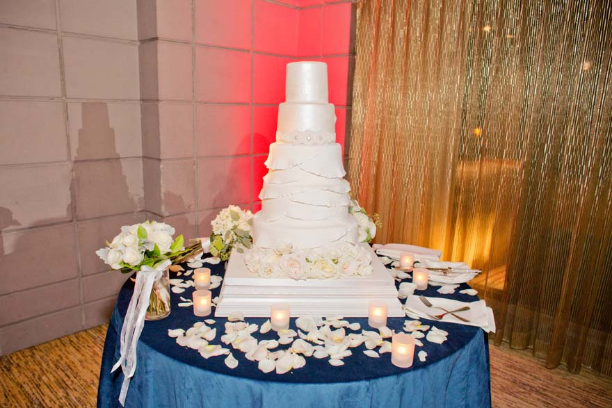 tall, elegant wedding cake