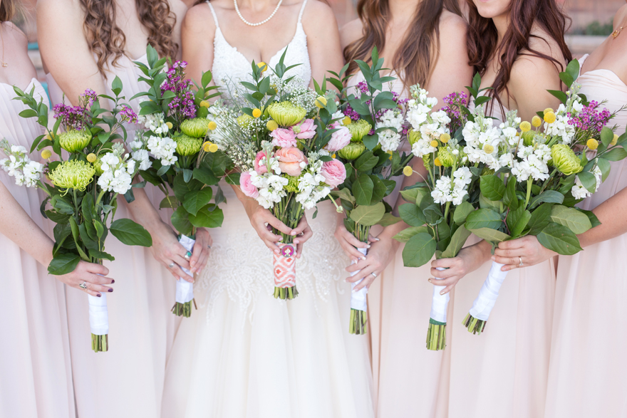 rustic bouquets for the bride & bridesmaids