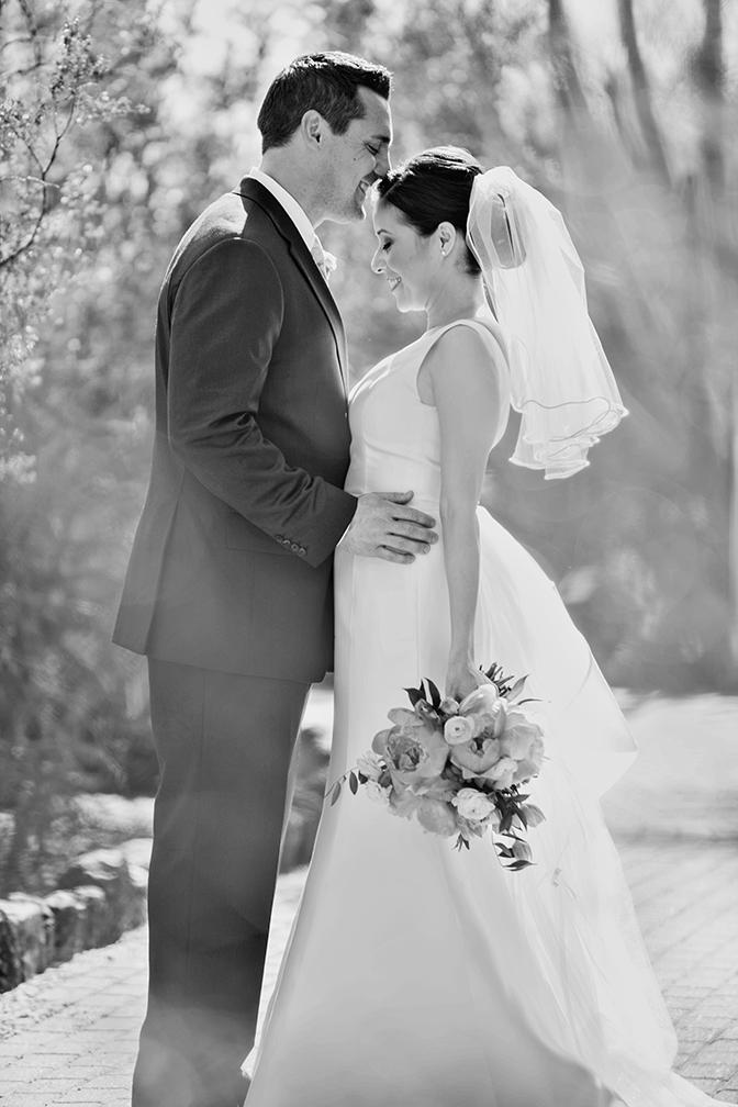Black & white bridal portrait. Outdoor wedding.
