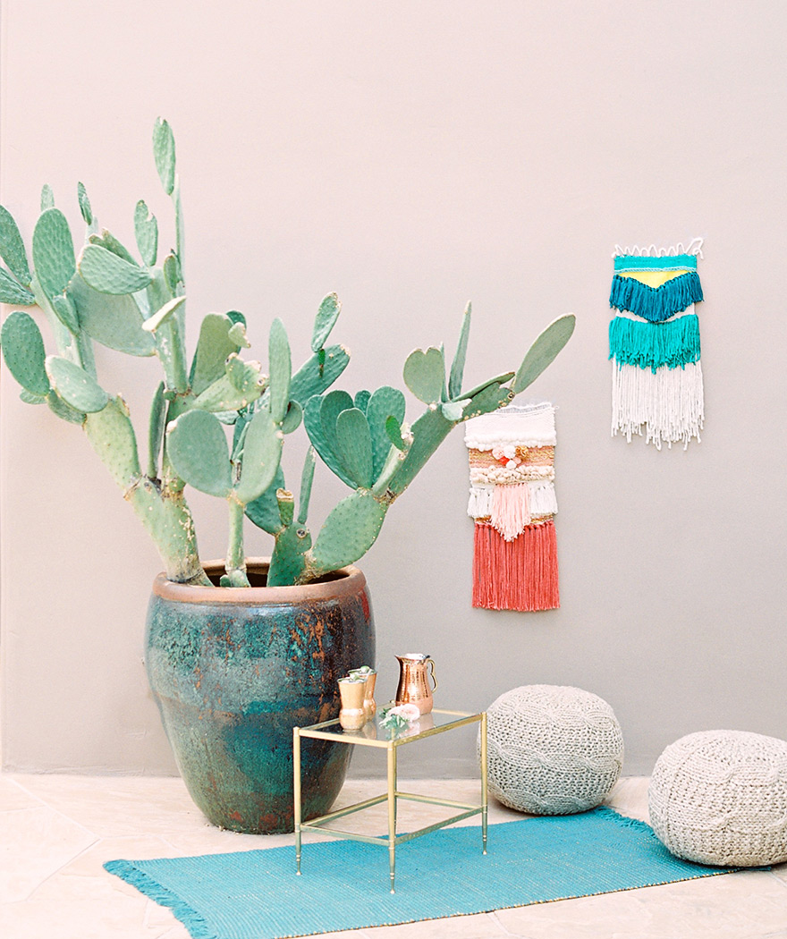 Modern Southwestern decor for a chic, bohemian wedding. Wall-hangings for outdoor reception.