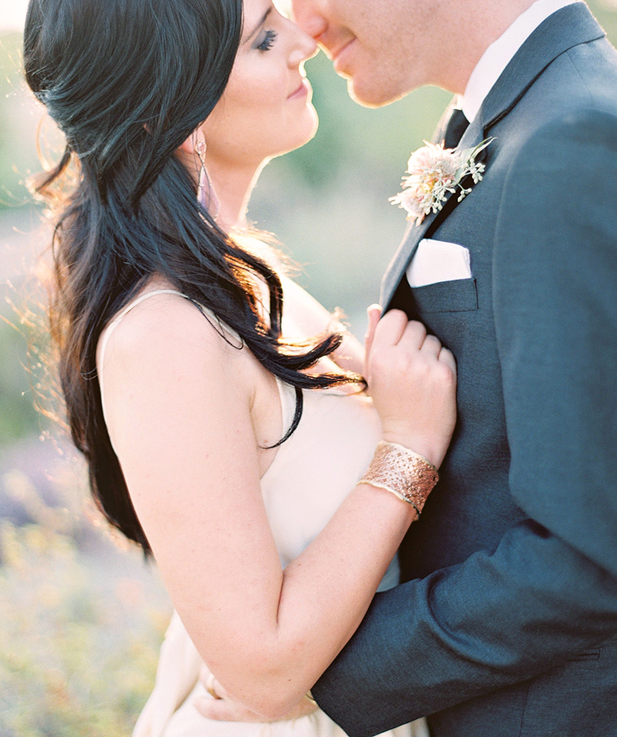 Chic, bohemian bride & groom in Arizona desert. Modern Southwestern wedding style.