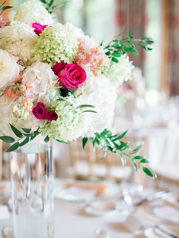 white & pink flowers at a country club wedding