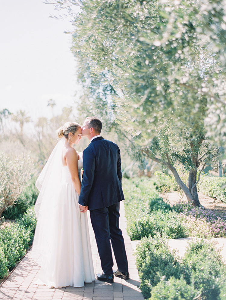 Spring wedding at El Chorro in Scottsdale