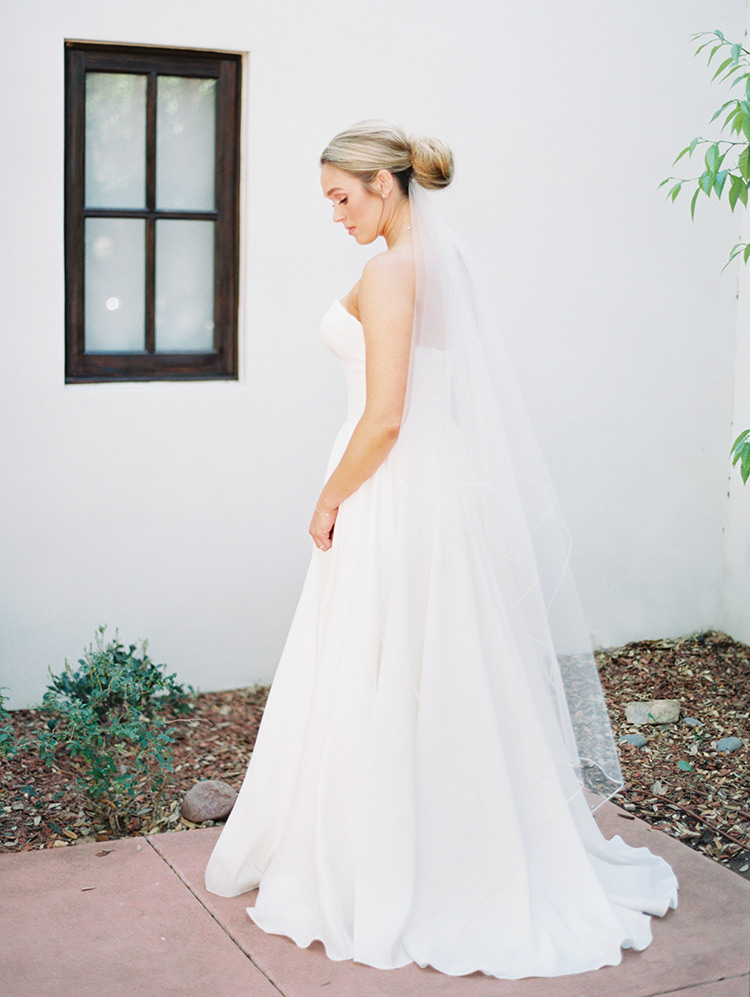 elegant & classic bride in Tulle New York