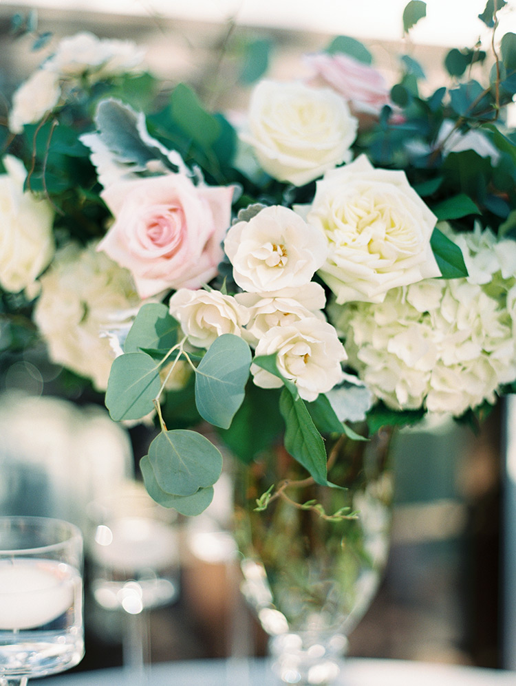 reception flowers in white & blush