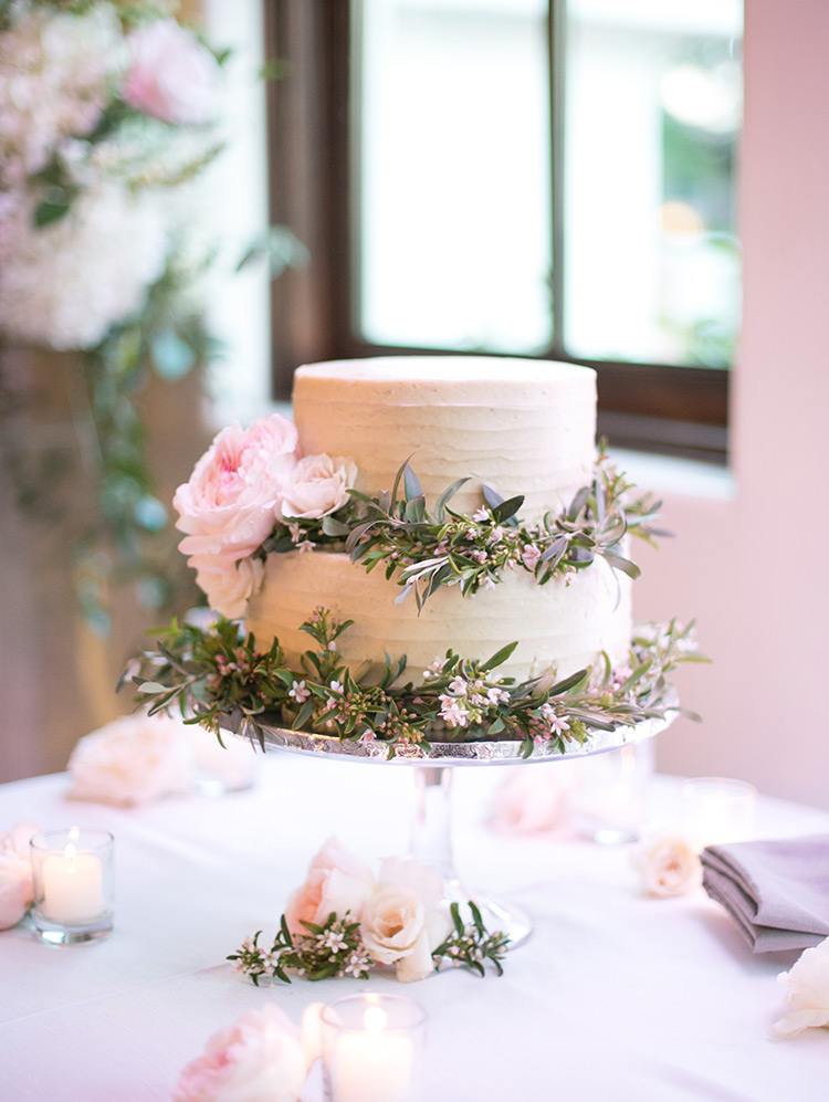 wedding cake with buttercream & flowers