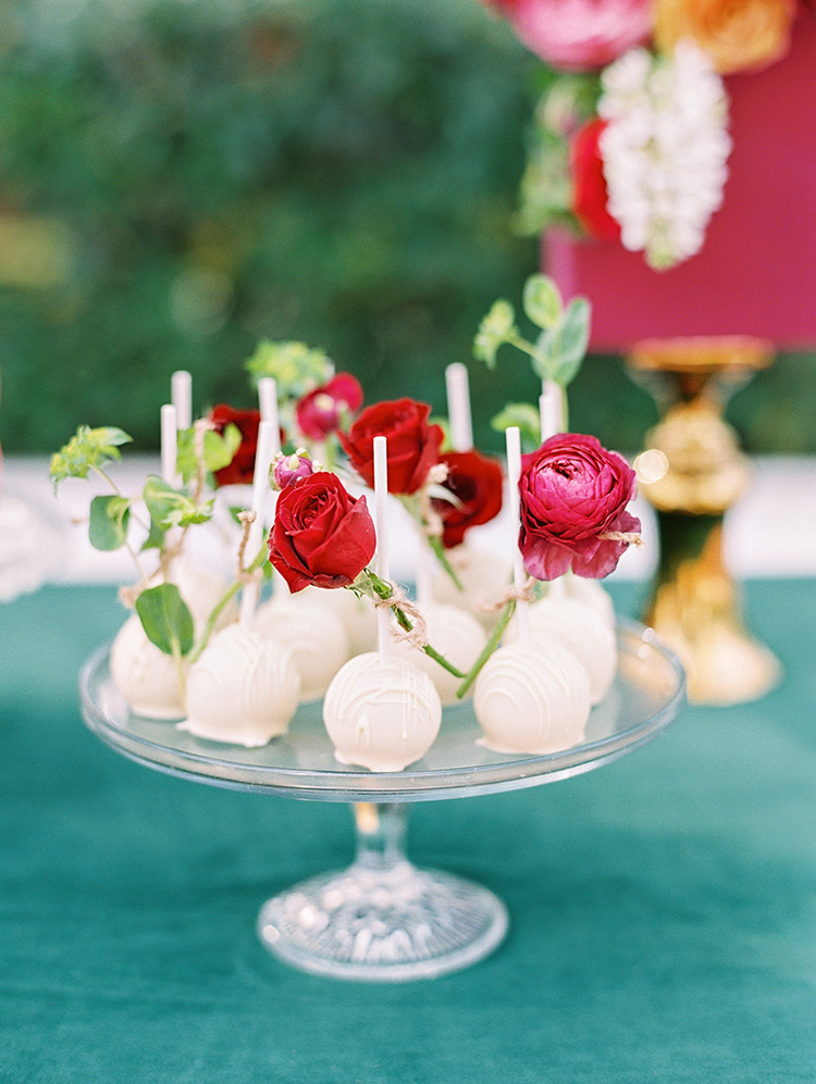 elegant cake pops for a wedding reception