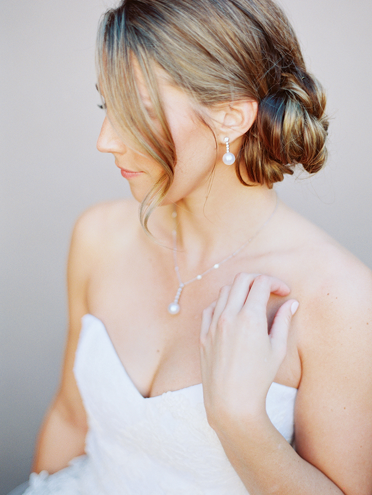 beautiful bride in pearls