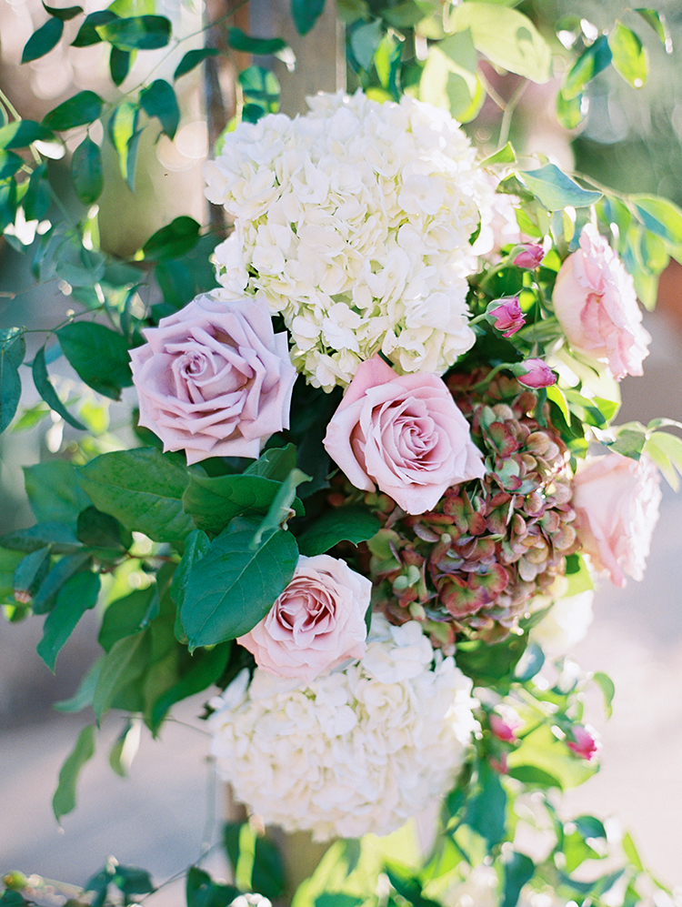 hydrangea and lavender roses