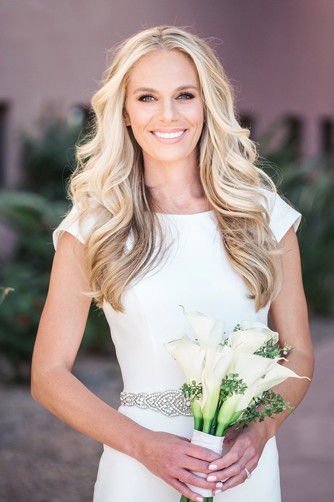 elegant bride with calla lilies