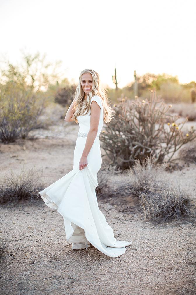 wedding portraits in the Scottsdale desert