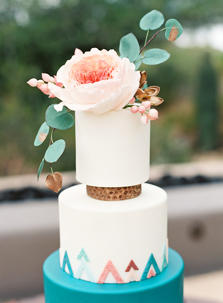 handcrafted sugar flowers by Heartsweet Cakes
