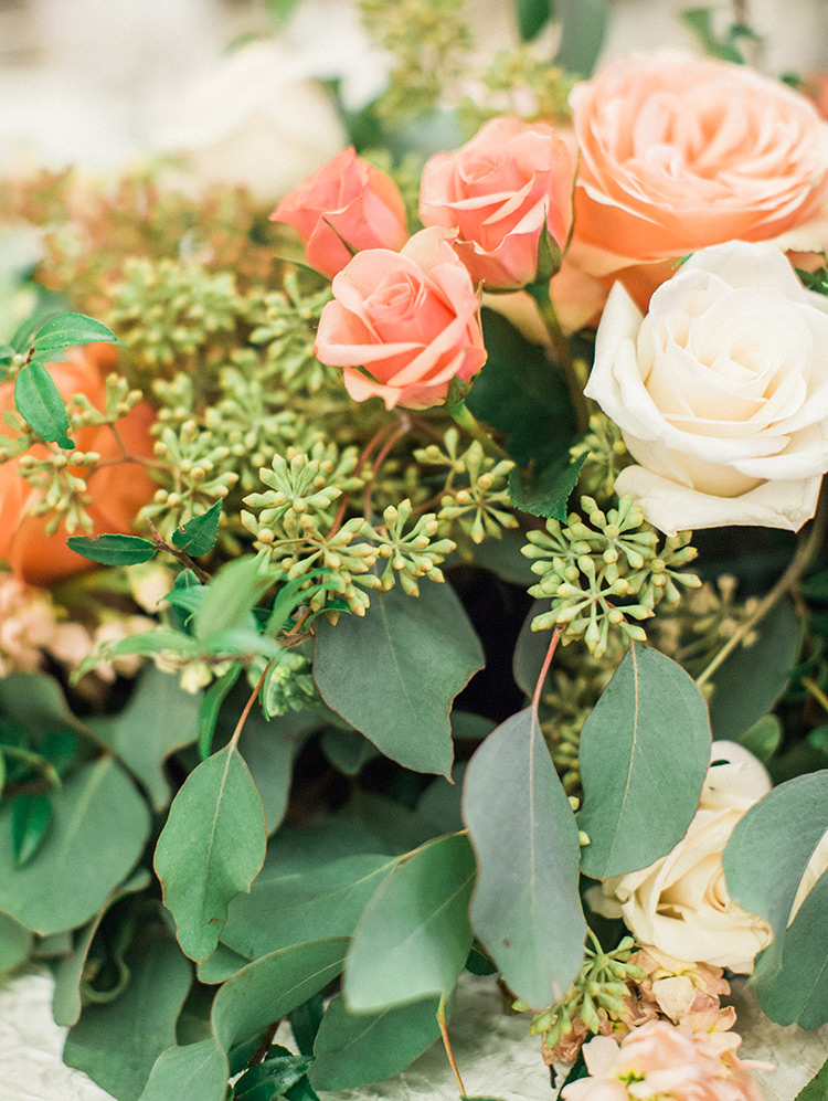 peach & blush flowers with greenery, wedding reception