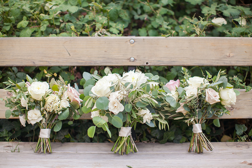 loosely styled bouquets in cream and blush