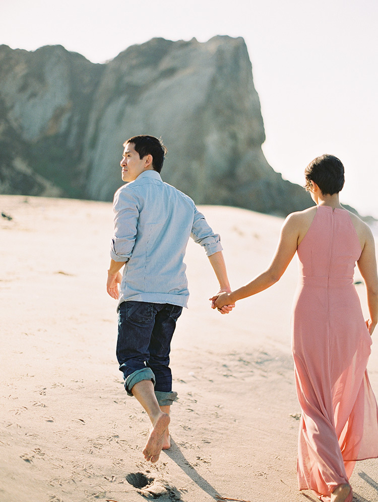 beach engagement shoot outfits