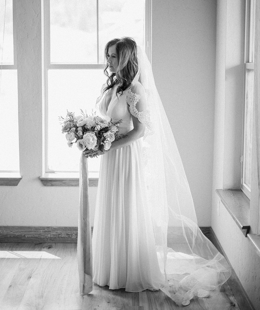 cathedral length veil edge in scalloped lace