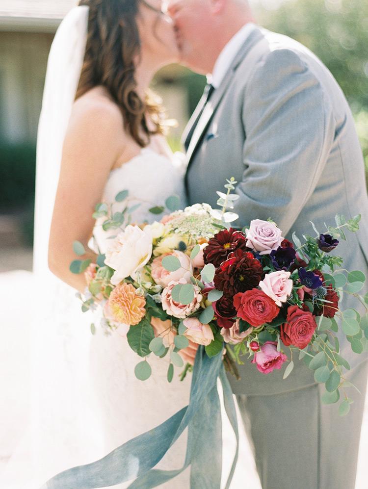 rich & dreamy wedding bouquet
