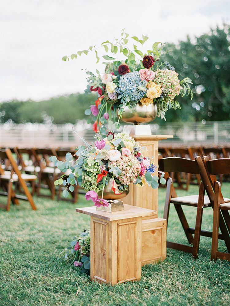 colorful wedding flowers with organic style