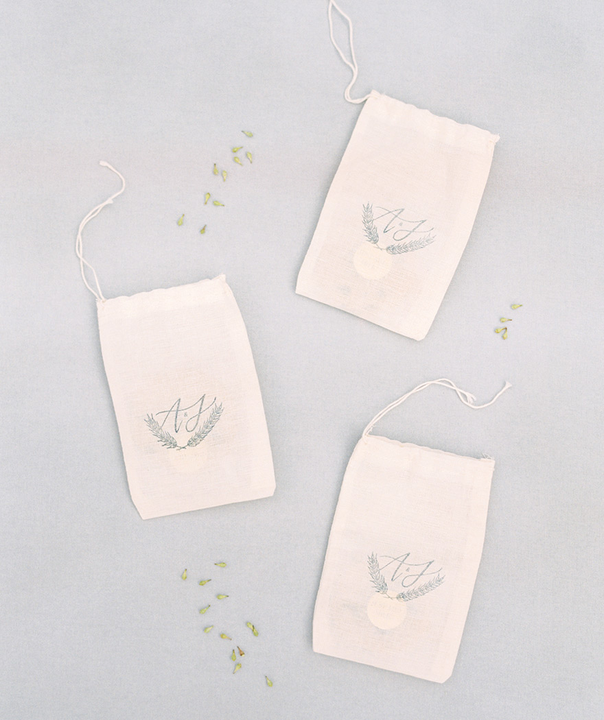 favor bags with seeds