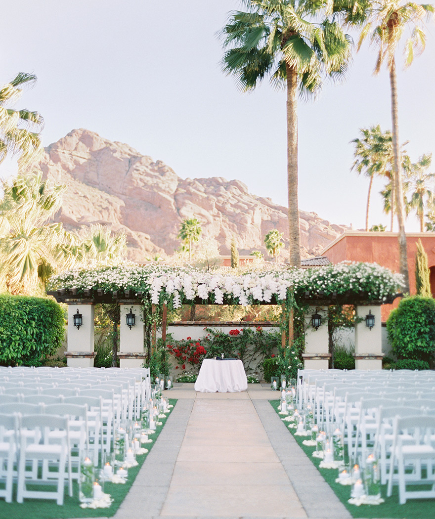 outdoor ceremony at Omni Scottsdale Resort at Montelucia