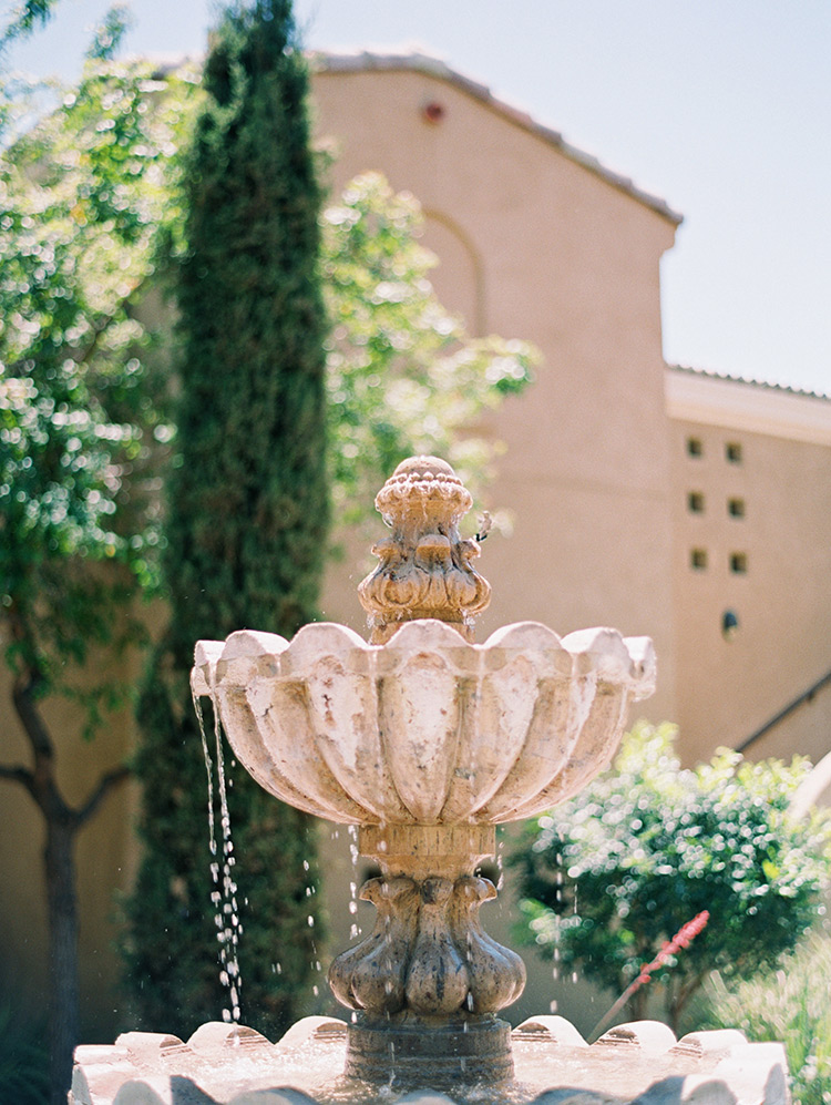 fountain at Omni Scottsdale Resort & Spa at Montelucia
