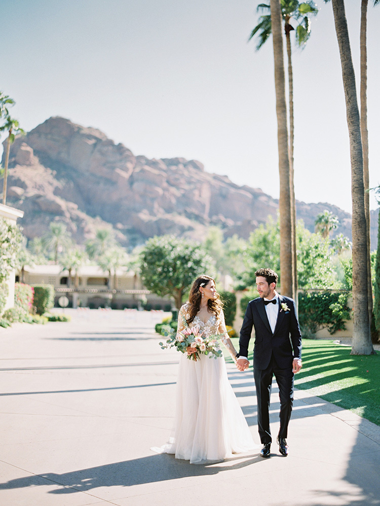 beautiful Arizona bride & groom