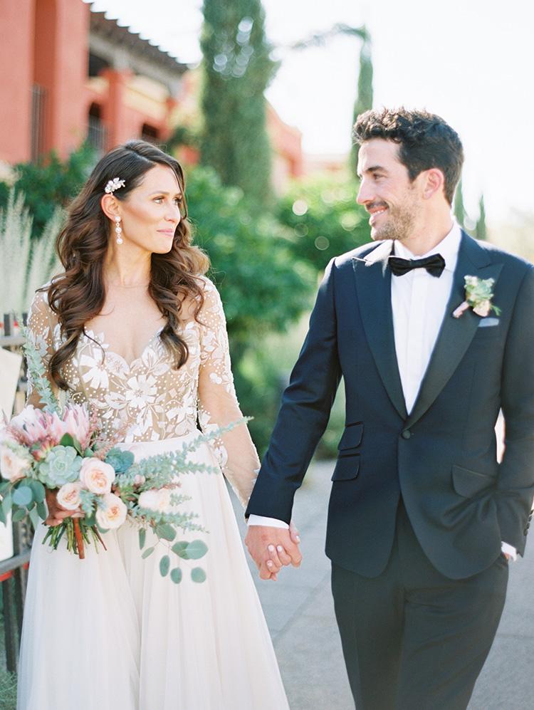 beautiful Arizona bride & groom