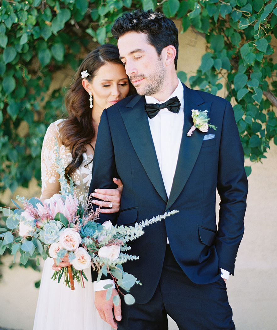 stylish Arizona bride & groom
