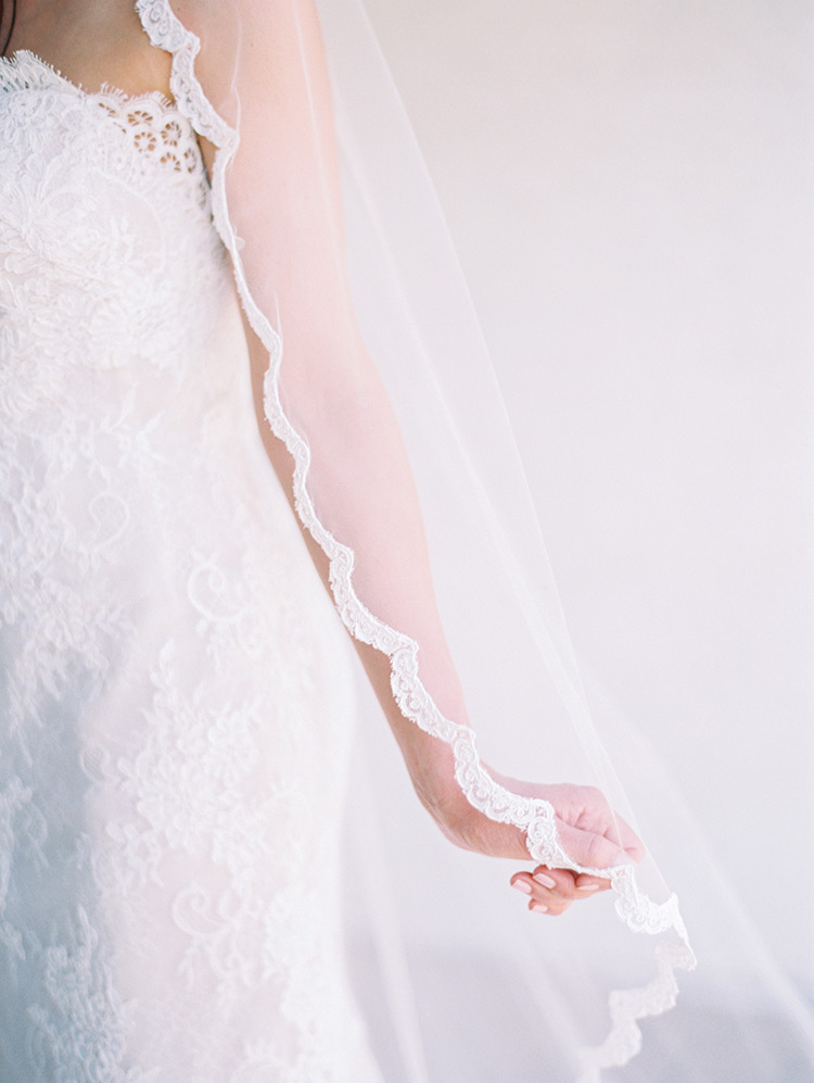 scalloped lace veil