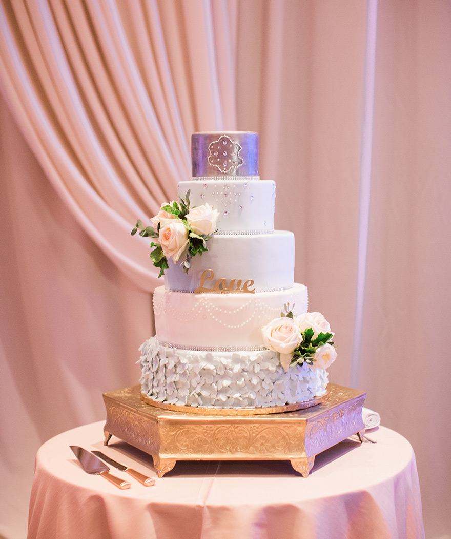 unique, textural wedding cake