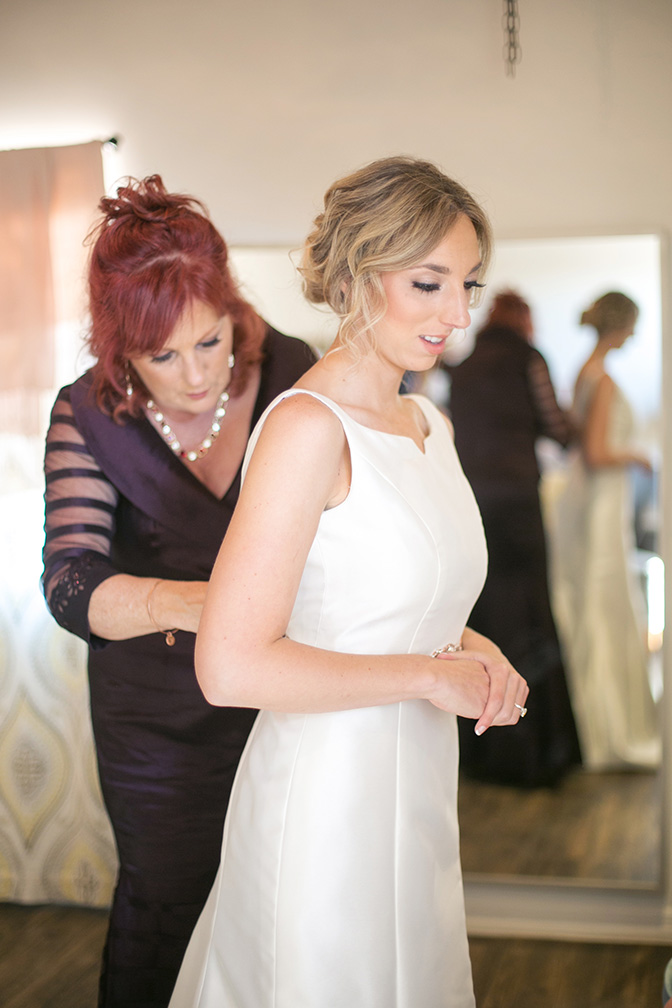 Elegant bride getting ready