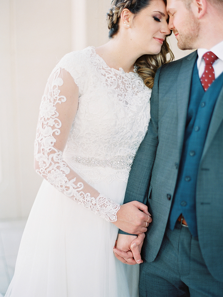 lace long-sleeved wedding dress