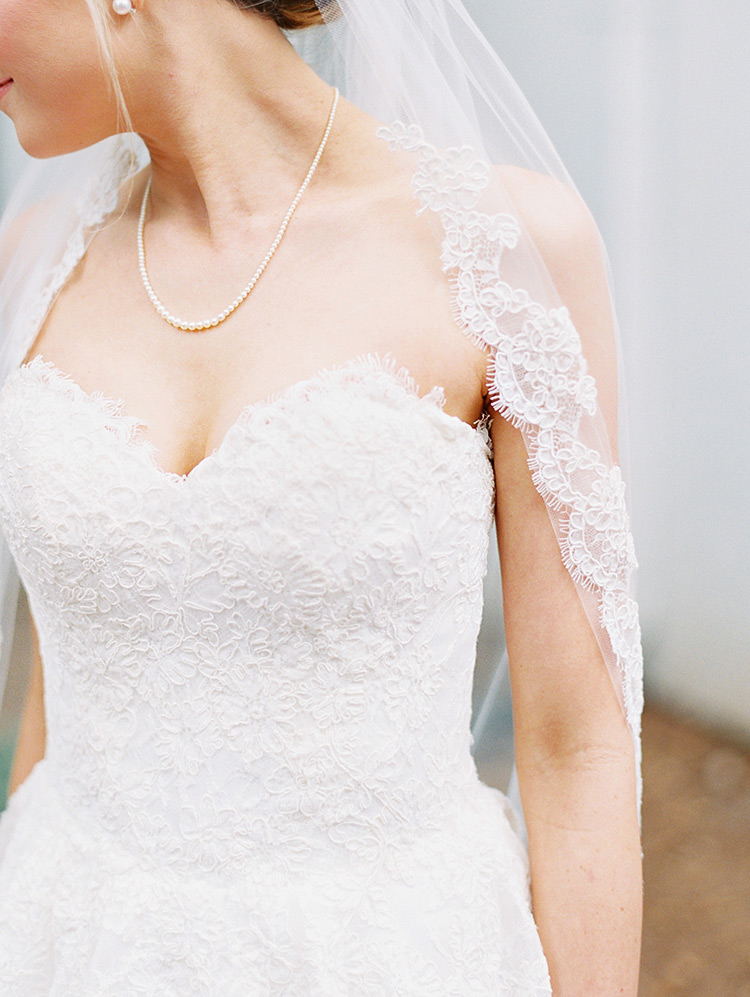 lace gown & scallop-edged veil