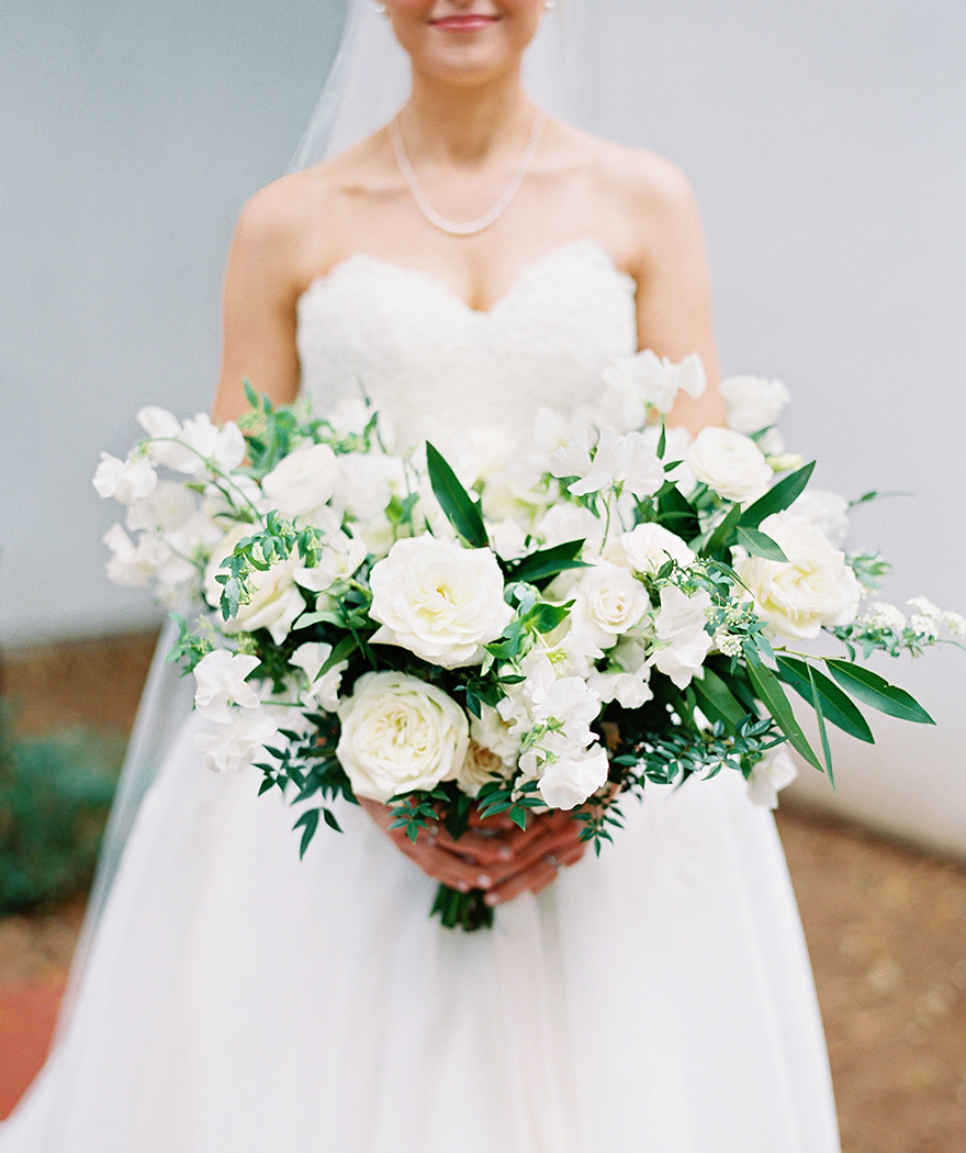 organic white bouquet by Carte Blanche Design