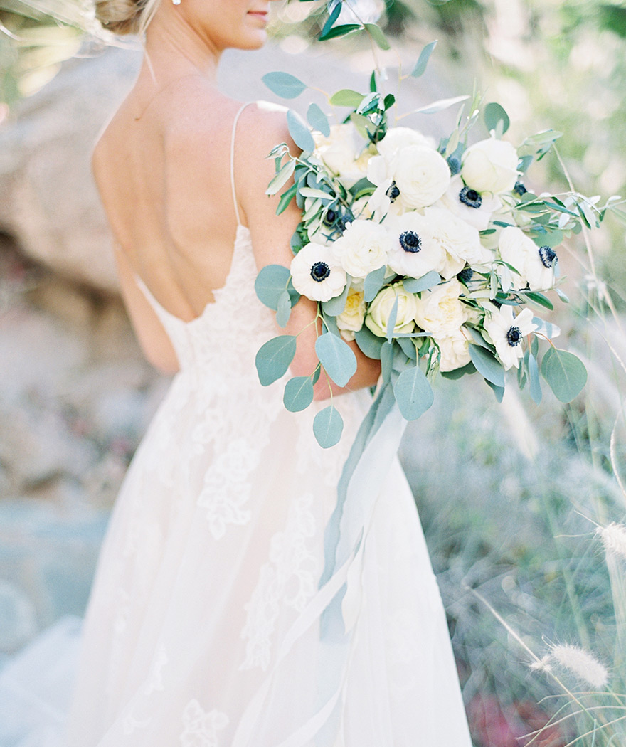 modern, natural bouquet with anemones and thistles