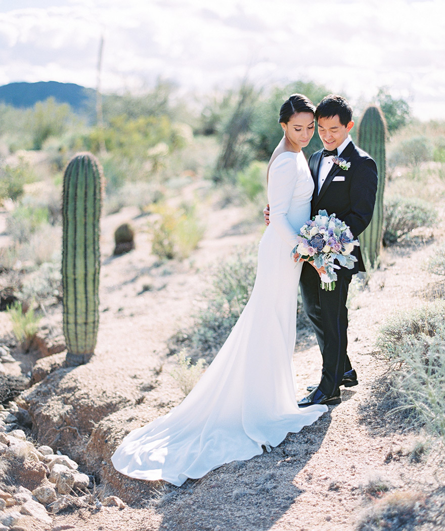 wedding portraits in the Arizona desert, pale purple bouquet