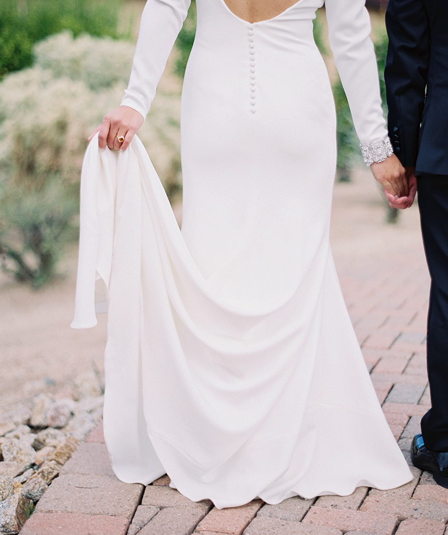 Elegant, minimalist wedding dress from Pronovias Barcelona