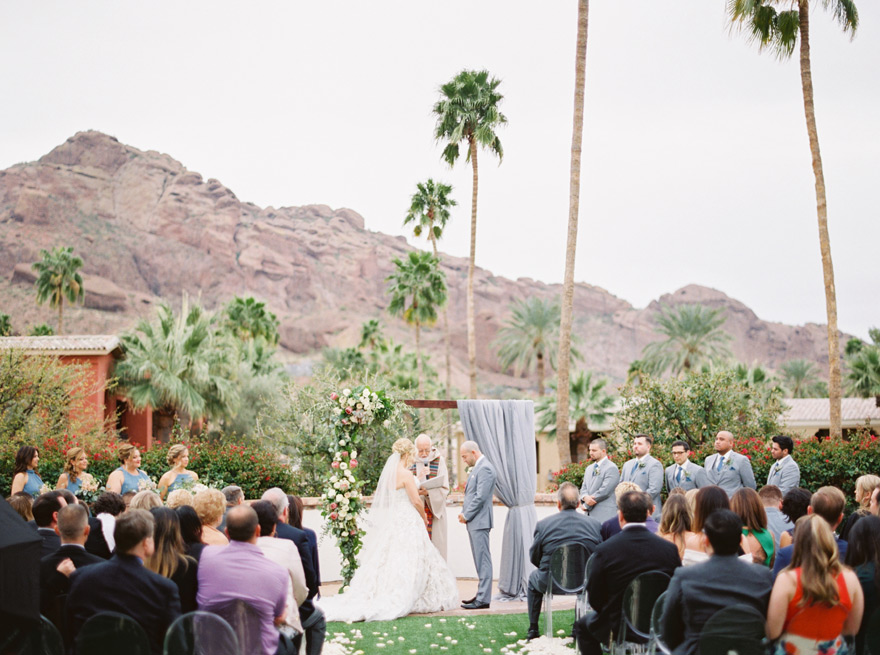 outdoor wedding ceremony at Montelucia in Scottsdale