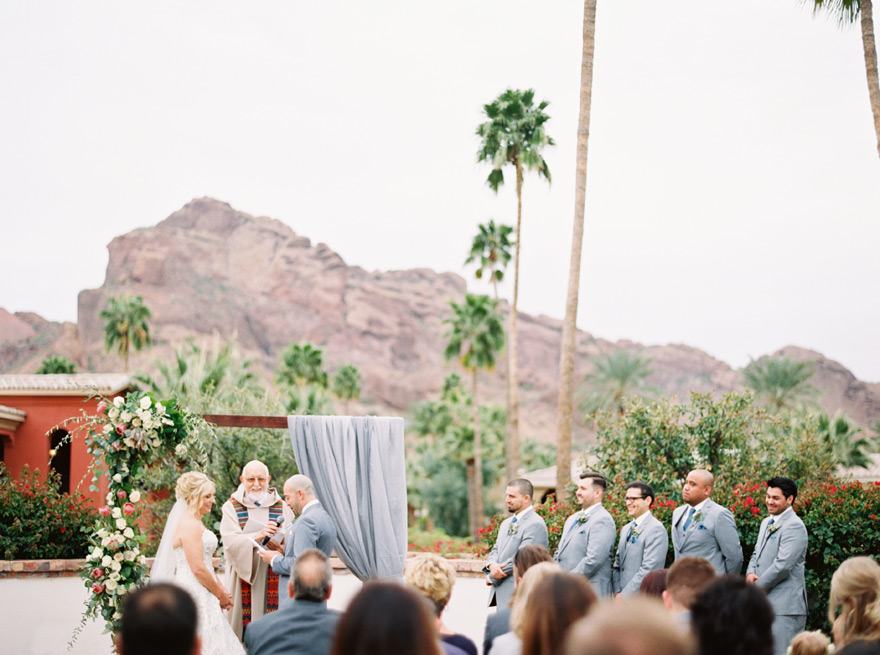 outdoor wedding ceremony at the Montelucia in Scottsdale