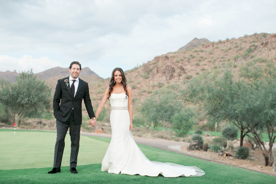 Bride and groom on an Arizona golf course. Silverleaf