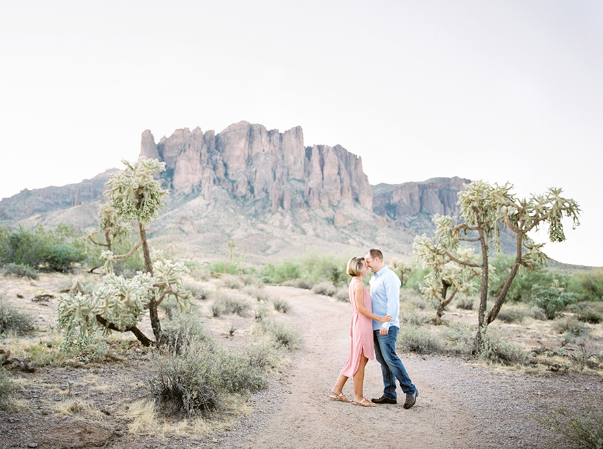 Arizona desert engagement portraits