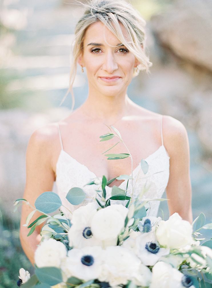 natural bridal makeup and anemone bouquet