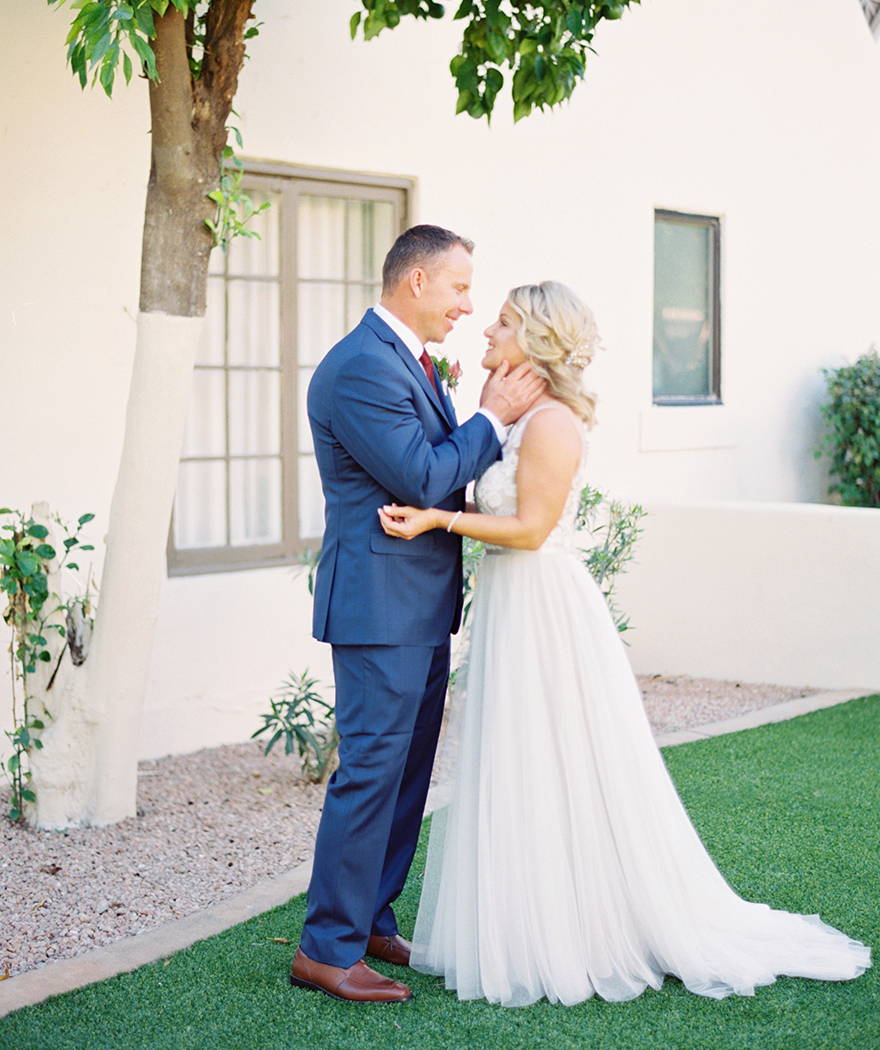 romantic wedding at the Wigwam in Phoenix