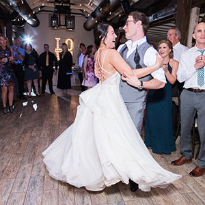 Genius Flash Trick to Brighten Your Reception Images