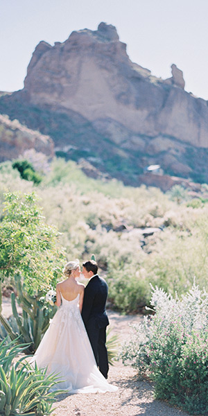 Modern Spring Wedding at Sanctuary on Camelback