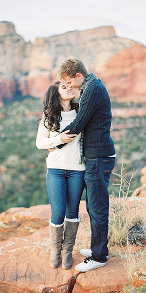 Sedona Picnic Engagement Shoot